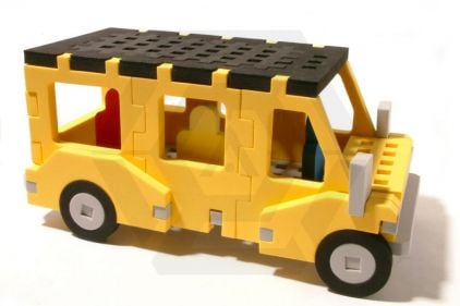 Laylax (Satellite) Brick Target Scene #3 - School Bus